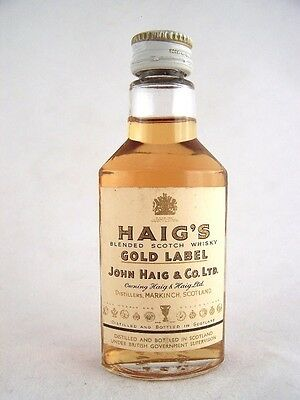 Miniature circa 1962 Haigs Gold Label Scotch Isle of Wine