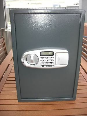 brand new large electronic security safe , keypad and key access for home office
