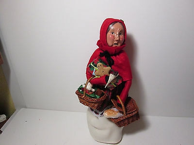 Byers Choice 1997 Shopping Woman with Gifts and Treats
