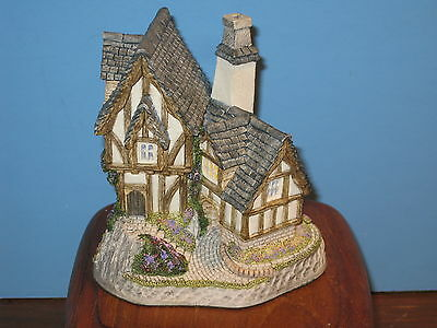 David Winter Cottages Retired Collectors Guild #12 The Candlemaker's with COA