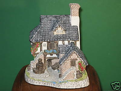 David Winter Coopers Cottage MIB with COA Signed