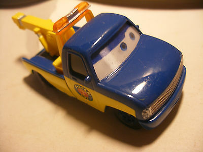 Mattel Disney Pixar Voiture CARS 2 Die Cast Metal 1/55 Piston Cup Race Tow TOM