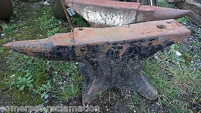 Large Reclaimed Black Smiths Farriers Metal Working Workshop Anvil Rusty