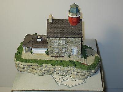 Harbour Lights Selkirk, NY  #157 MIB with COA