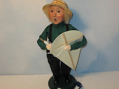 Byers Choice 2001 Exclusive Amish Boy with Kite
