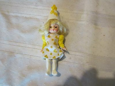 Madame Alexander McDonalds yellow flower Munchkin  Wizard Oz happy meal girl toy