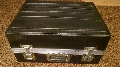 Platt shipping case hard side  used 17 x 22 x 10.25   part # pl2528 trade show