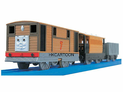 2015 New Takara Tomy Thomas Motorized Ts-11 Toby W/ 2 Trucks 464433
