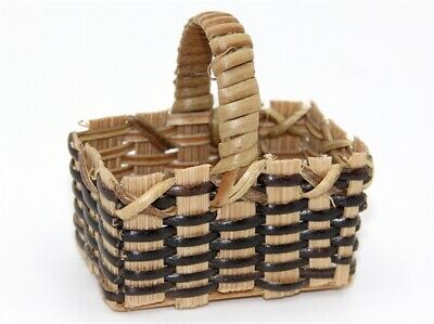 Shopping Basket with Brown Trim, Dolls House Miniatures, Accessory, 1.12 Scale
