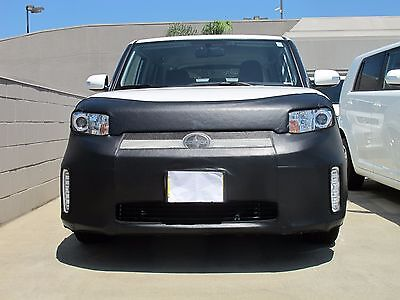 Colgan Front End Mask Bra 2pc Fits Scion xA 2006-2007 With License Plate