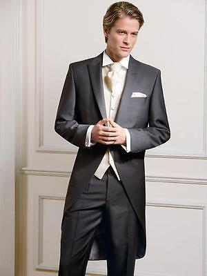 Tuxedo groom wedding dress the groom's best man suit a button for wedding dinner