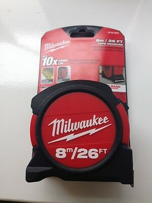 Milwaukee 48225625 Metric and Imperial 8m 26ft Contractors Tape Measure