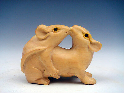 Boxwood Hand Carved Netsuke Sculpture Miniature 2 Mice Mating Kissing #08171505