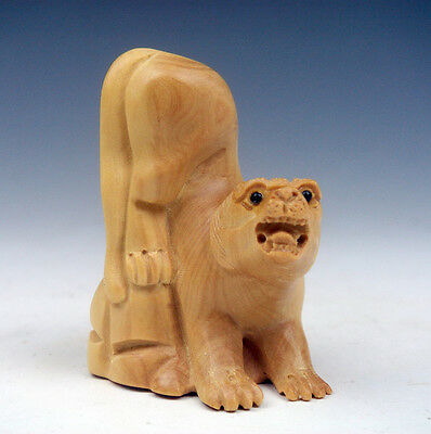 Boxwood Hand Carved Netsuke Sculpture Miniature Furious Tiger On Rock #08191502