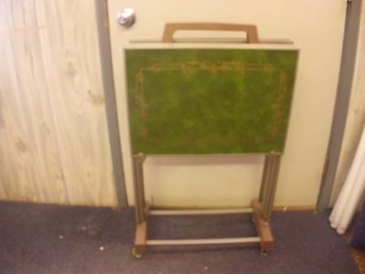 TV TRAYS 4 TABLES green / gold FAUX WOOD  with STAND Mid Century Vintage