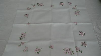 """Vintage Linen Embroidered Tablecloth PINK PANSIES 33""""x34"""", Nice!"""