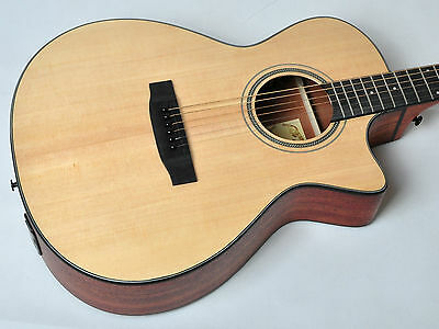 Freya Electro Deluxe Acoustic Guitar Solid Top w/built-in Tuner, Pickup, Preamp