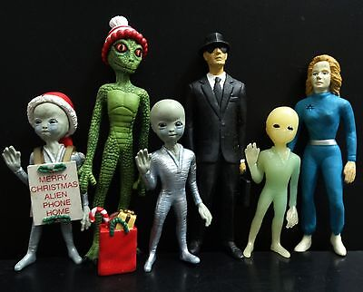 lot of 6 Shadowbox Series Collectible Toy NEONATE ALIEN Reptilian Alien Figure