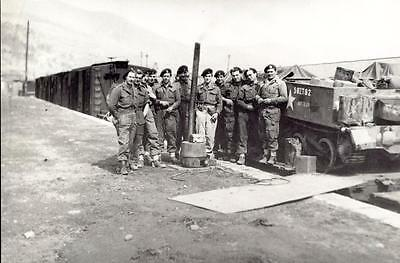 a476     Men of the  8th Hussars during a break  ..    Korean 1951