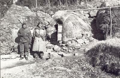 a475      8th Hussars in cold weather uniforms..    Korean 1951