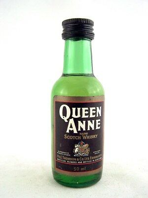 Miniature @ 1977 QUEEN ANNE RARE Whisky Isle of Wine