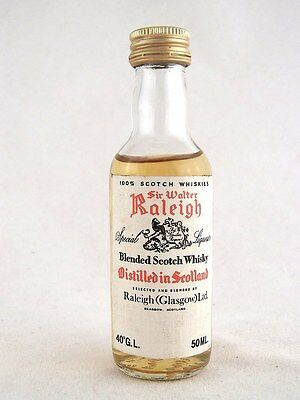 Miniature @ 1977 SIR WALTER RALEIGH Special Liqueur Scotch Whisk Isle of Wine