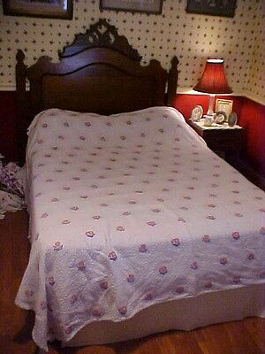 Bates Bedspread, Pale Blue & White With Pink Flowers