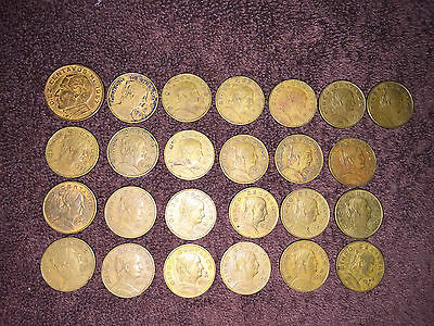 Vintage Lot Of 25 Cinco Centavos Coin Lot