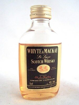 Miniature circa 1984 WHYTE & MACKAY De Luxe Scotch Whisky(Plasti Isle of Wine