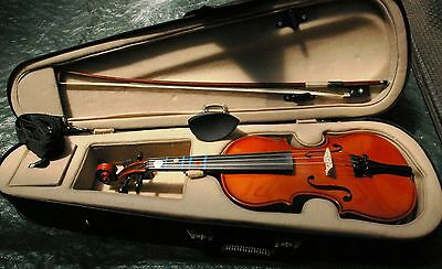 Enrico 1/4 Student Plus Violin outfit, Used, Good Condition.