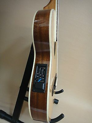 Caraya THIN-Body Classical Guitar with EQ Natural Sitka C-551BCEQ + Gig Bag