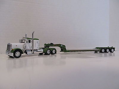 Dcp 1/64 Peterbilt 379 Day Cab Opt. White W Green Top,fenders And Green Lowboy
