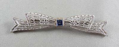 Beautiful Vintage Art Deco 14K White Gold and Sapphire Filigree Bow Pin  [S11]