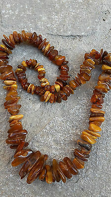 RRR Very rare early Chinese Butterscotch amber necklace 119,8 g. 19th century
