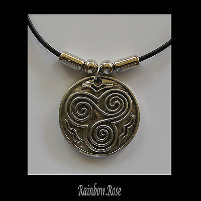 Choker #360 Pewter CELTIC TRINITY SPIRAL CIRCLE (31mm wide) rubber necklace