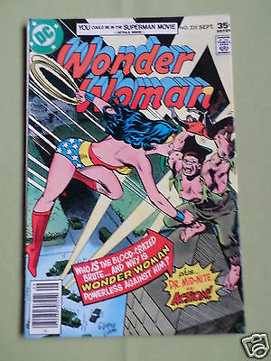 Wonder Woman - #235 -  Dc Comic - 1977  Vg