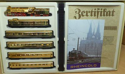 Arnold 0167 rheingold-set with BR 18 + 5 pcs rheingold-wagon 4-achsig Goldie