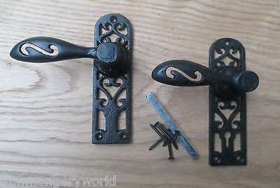 1pair CAST IRON VINTAGE OLD PERIOD STYLE COTTAGE COUNTRY DOOR HANDLES ORNATE