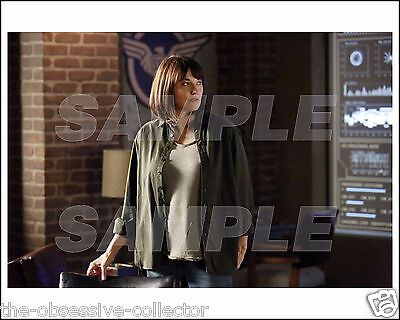 AGENTS OF SHIELD 8X10 Photo 03 LUCY LAWLESS