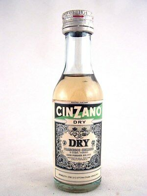 Miniature circa 1984 CINZANO DRY Isle of Wine