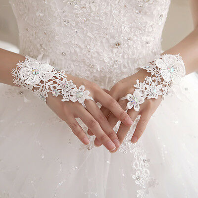 New Bridal Wedding Short Lace Gloves Rhinestone Hollow Fingerless Wrist Glove