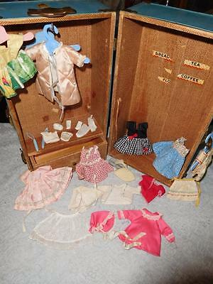 Vintage Nancy Ann Trunk with misc Doll clothes - Muffie?