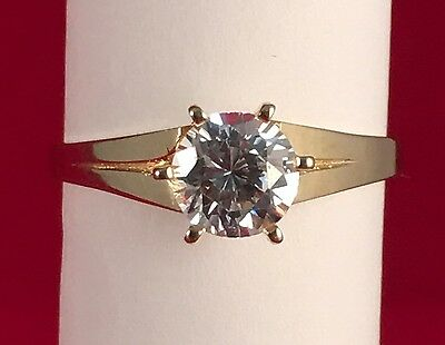 10K Solid Yellow Gold Round CZ Ring. Size 7