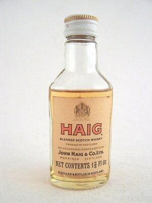 Miniature circa 1966 JOHN HAIG SCOTCH WHISKY Isle of Wine