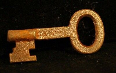 Antique/Primitive Skeleton Key Solid Arm Ornate Notch End Piece 37T-#64!