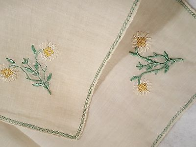 Four Handmade embroidered Daisy rice linen placemats 13 1/2 x 16 vtg