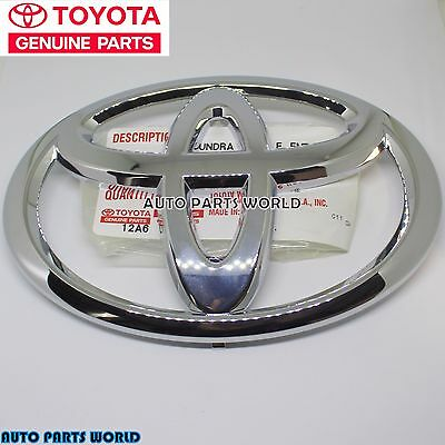 New Genuine Toyota Oem Sequoia Tacoma  Front Grille Emblem 75311-0C030