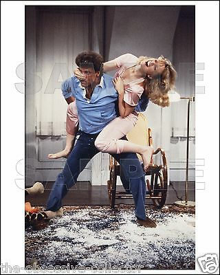 CHEERS 8X10 Photo 08 TED DANSON & SHELLEY LONG
