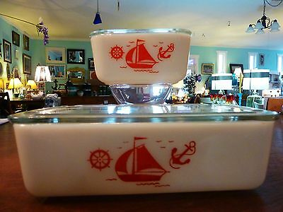 McKee White Red Ships Sailboats 4 Pc Refrigerator Dish Set Clear Glass Lids