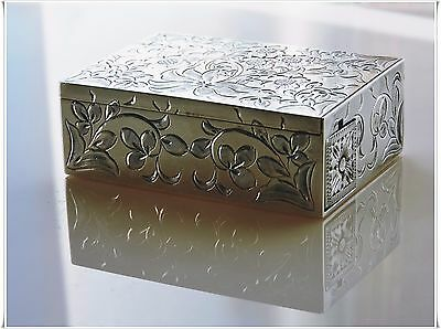 Compact Lipstick Holder 88 G Sterling Silver 950 Japanese Silver Hand Chased Box